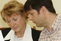 Na obrázku jsou místostarosta Libor Honzárek a starostka města Jana Fischerová.