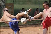Nohejbal. Ten bývá v Bezděkově asi nejdramatičtější soutěží celého míčového sedmiboje.