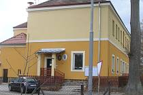 Lepší prostory mají ve Vísce od Nového roku jak obecní zastupitelé, tak i obecní knihovna.