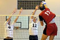 Půl na půl. Tak si počínali brodští muži doma proti Ústí nad Orlicí, když první zápas vyhráli a druhý prohráli. Ženy své soupeřky zdolaly v obou utkáních.