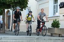 Na kolo společně s Jarmilou Machačovou a Standou Bartůškem sedl i starosta  Jan Tourek.