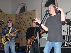 Hlavní kapelou večera bude pražská kapela Krausberry. Ilustrační foto.
