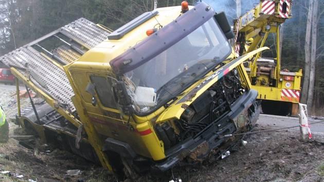 Polský kamion havaroval u Nového Ranska na Havlíčkobrodsku.