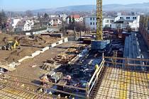Stavba sportovní haly ve Světlé nad Sázavou.