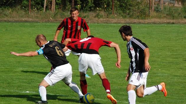 Fotbalisté Ledče vedli ve šlágru kola proti Dobronínu 2:0, ale nakonec se museli spokojit s bodem.