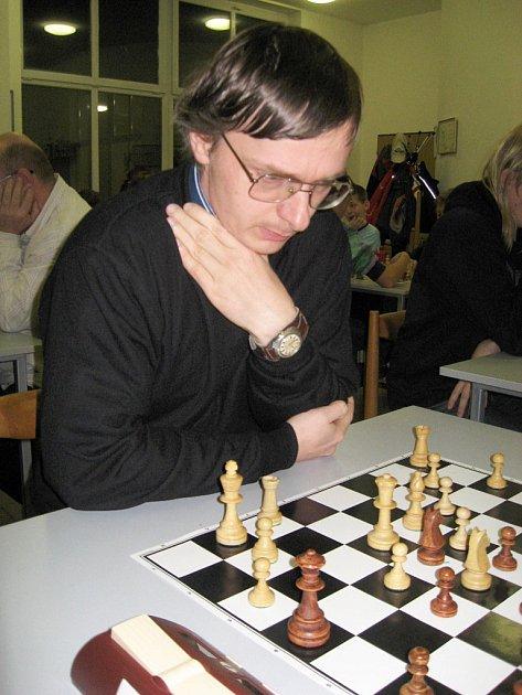 Celkové vedení si i vítězstvím v tomto turnaji upevnil kandidát mistra Roman Vincze z Gordic Jihlava.