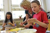 Co si děti ve škole uvařily a připravily, to si také (a s chutí) snědly.