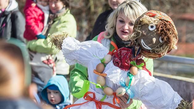 Vynášení Morany symbolizuje konec zimy v Havlíčkově Brodě.