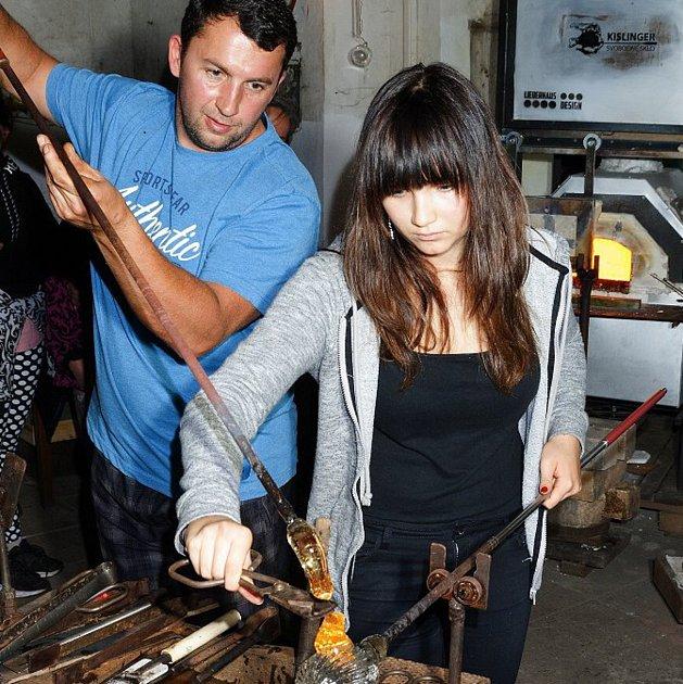 Sklářský skanzen v Tasicích chystá zajímavou akci s názvem Předvánoční skláření.
