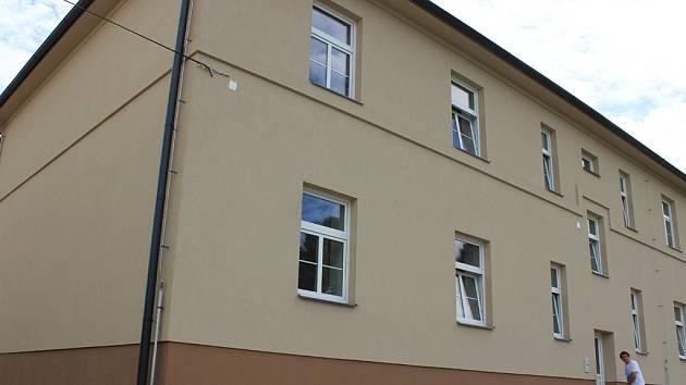 Na havlíčkobrodské ulici 5. května našlo nový domov dvanáct duševně nemocných.