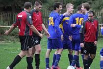 Střelnici. Tu si v sobotu na svém hřišti otevřeli fotbalisté Štoků, kteří nemilosrdně potrestali brodskou rezervu sedmi góly.
