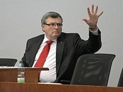 Ustavující zasedání zastupitelstva Kraje Vysočina. Hejtmanský post obhájil opět Jiří Běhounek.