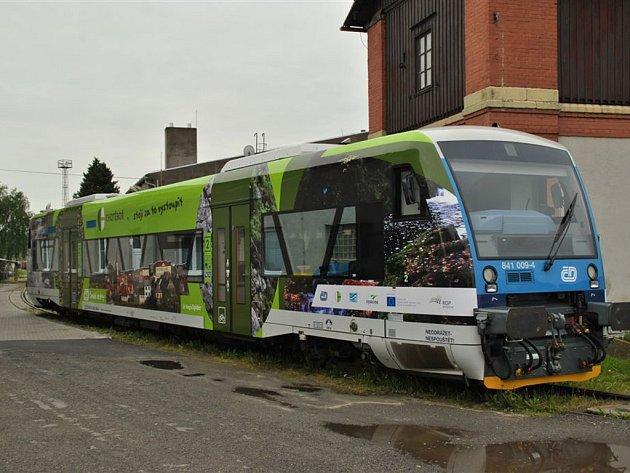 Šťastnou cestu. S graficky nápaditými polepy v sobotu z Havlíčkova Brodu vyjede šest moderních vlaků RegionSpider. Na kolejích budou trvale zvát k návštěvám Bystřicka, Chotěbořska, Jaroměřičska, Jihlavska, Náměšťska a Meziříčska.