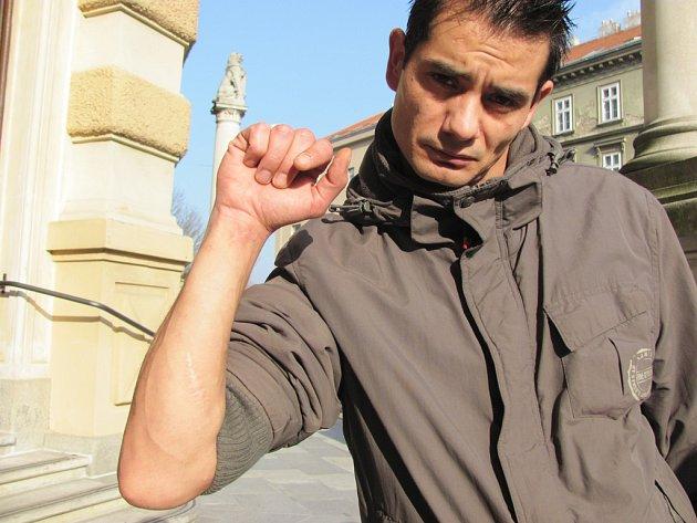 Odsouzený Kaleja měl nastoupit výkon trestu do věznice s ostrahou. Jenže na výzvu soudu k nástupu trestu dodnes nereagoval. Soud proto na Kaleju vydal příkaz k zatčení.