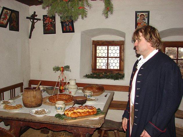 Zasvěceným průvodcem v Michalově statku je Jindřich Holub (na snímku).