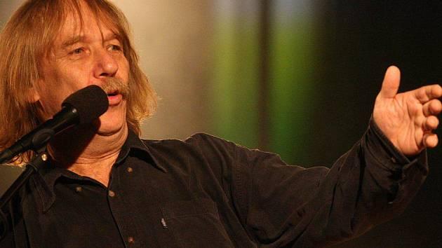 Z koncertu Jarka Nohavici v Havlíčkově Brodě si každý měl odnést nějakou písničku.