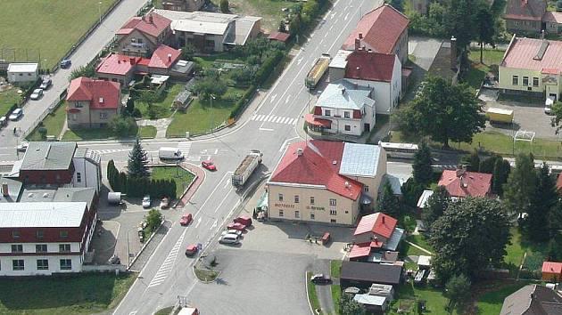 Riziková křižovatka U Lázničků ve Ždírci nad Doubravou.