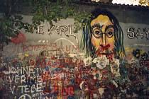 Lennonova zeď v roce 1993.