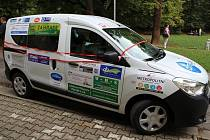 Brodská Oblastní charita převzala vůz Dacia Dokker.