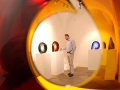 Skleněné objekty Petra Hory jsou zastoupeny v řadě významných muzeí po celém světě.