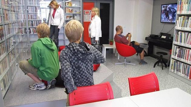 M-CENTRUM. Brodská knihovna se od pondělka může nově pochlubit také oddělením, které nabízí řadu zážitků i místo pro klubovou činnost a relaxaci.