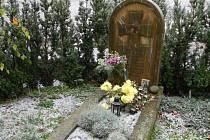 Hrob Jana Zrzavého v Krucemburku.