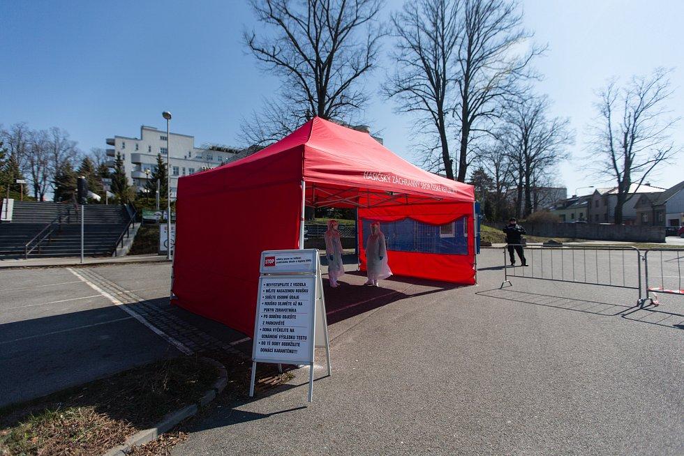 Odběrové místo na Covid-19 stálo i na parkovišti u Nemocnice Havlíčkův Brod.