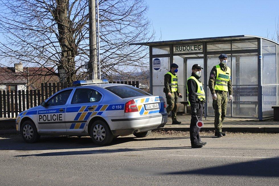 Lockdown na Vysočině a policejní kontroly. Ilustrační foto