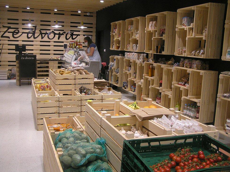 Obchod ze dvora představí Ondřeje Balouna obyvatelům Lípy a lidem z okolí domácí zemědělskou produkci.