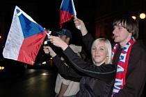Čtvrteční čtvrtfinálový zápas hokejového šampionátu Česko – Švédsko sledovaly i v havlíčkobrodských barech a restauracích stovky fandů.