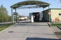 Provozovatel čerpací stanice na okraji Golčova Jeníkova, společnost Calibra plus, dostala od České obchodní inspekce v závěru minulého roku pokutu 150 tisíc korun. Provozovatel pumpy Josef Musil tvrdí, že chyba nebyla na jejich straně.