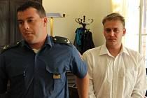 Obžalovaný. Jaroslav Kafka se k vraždě dvou seniorů přiznal, a to na detektoru lži, před advokátem a pak i soudcem, který na něj uvalil vazbu. U soudu však svou výpověď změnil.