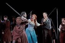 La donna del lago - tak v originále zní název italské opery Jezerní paní, kterou v sobotu uvidí diváci v chotěbořském kině jako přímý přenos z Metropolitní opery v New Yorku. Reprofoto: