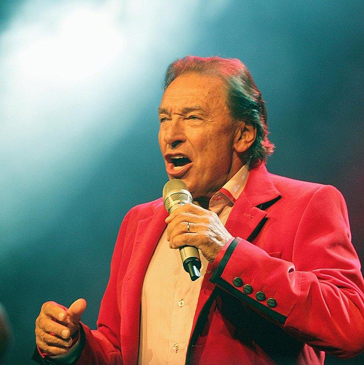 Hlavní hvězdou Sázafafestu letos bude Karel Gott.