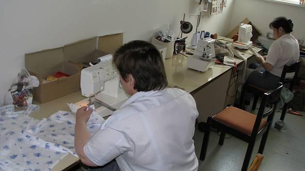 Věznice. Za vězeňskou mříží mají ženy možnost napravit se, ale také získat vzdělání a kvalifikaci.