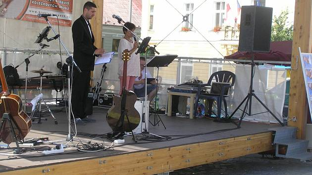 Za příspěvky do kasičky děkovala primářka Magdalena Weberová-Chvílová (vpravo).