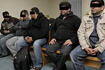 Na lavici obžalovaných usedli ve čtvrtek v Havlíčkově Brodě členové zločinného uskupení.