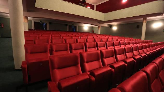 Kino z pohodlí domova.