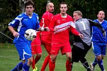 Druhý gól vstřelil do haberské branky pohledský David Klement (vlevo). Pohled po infarktovém průběhu porazil Habry 4:3.