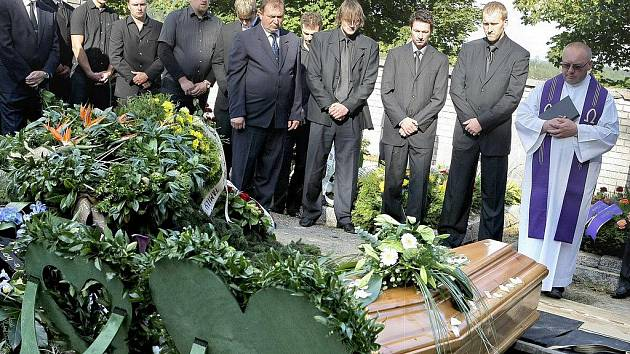 Pohřeb Josefa Vašíčka.