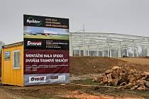 Stavba nové montážní haly.