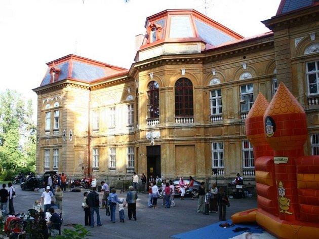 Na nedávné oslavě 50. výročí Dětského domova v Nové Vsi u Chotěboře Pavel Wolf nechyběl.