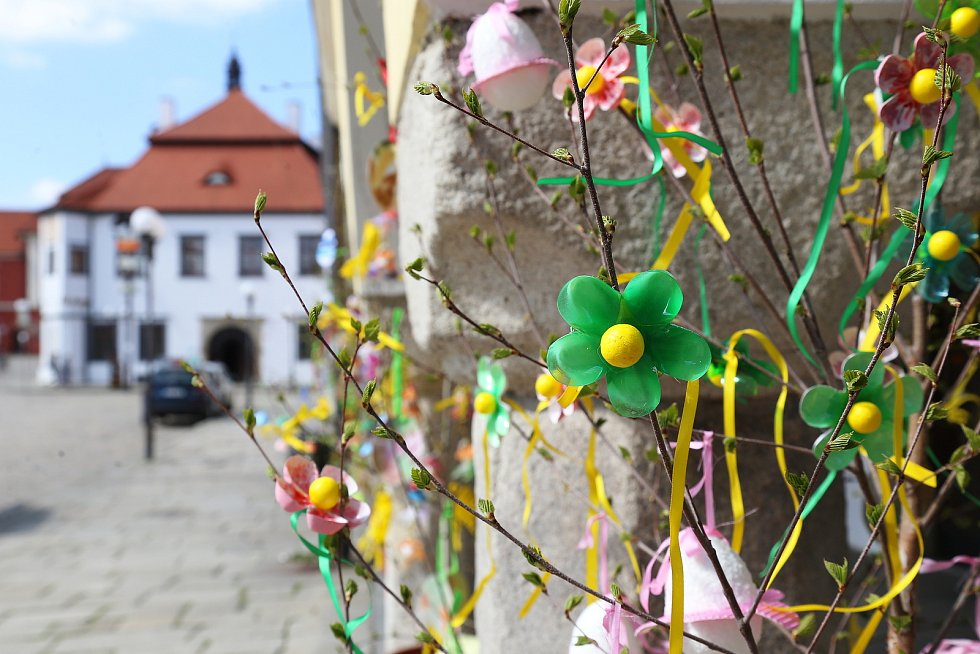 Velikonoce na radnici v Pelhřimově v předchozích letech. Letos se kvůli koronaviru akce nekonala.