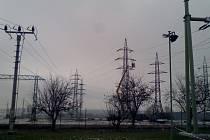 Transformační stanice Mírovku a Krasíkov propojí už letos v létě nové vedení vysokého napětí.