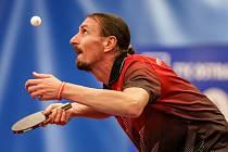 Stolní tenisté HB Ostrov porazili v souboji prvního s druhým Ostravu. Výhru orazítkoval Dmitrij Prokopcov.