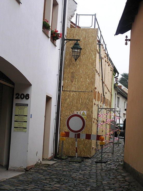 Tak vypadá zbořeniště domu v Kozí ulici.