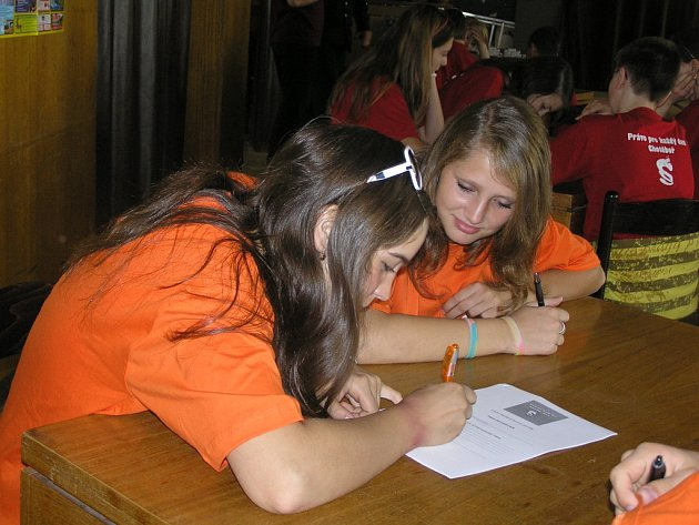 Školáci z Chotěbořska se zúčastnili soutěže Právo pro každý den.