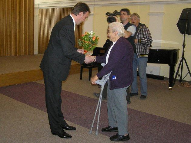 Svatava Frühbauerová z Havlíčkova Brodu , obdivovatelka T. G. Masaryka, se stala vítězkou i krajského kola soutěže Čtenář roku 2012.