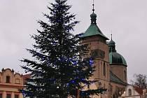 Advent začal i v Havlíčkově Brodě. V neděli se tam rozsvítil vánoční strom a výzdoba města.