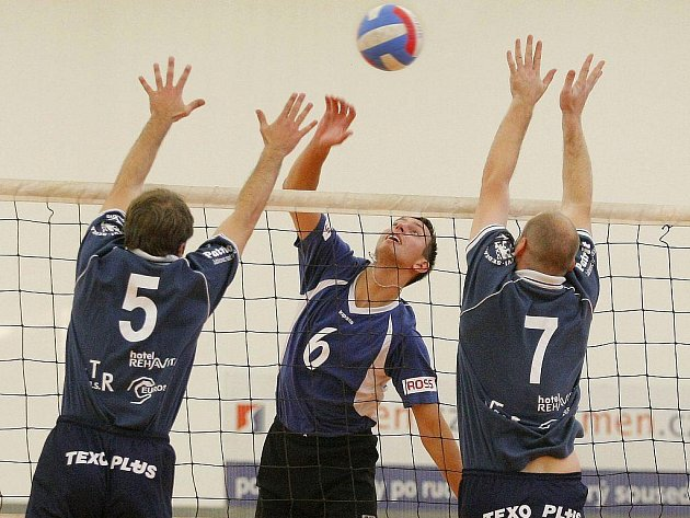 Brodští volejbalisté doma nestačili na favorizované Hrotovice a oba zápasy s nimi prohráli.